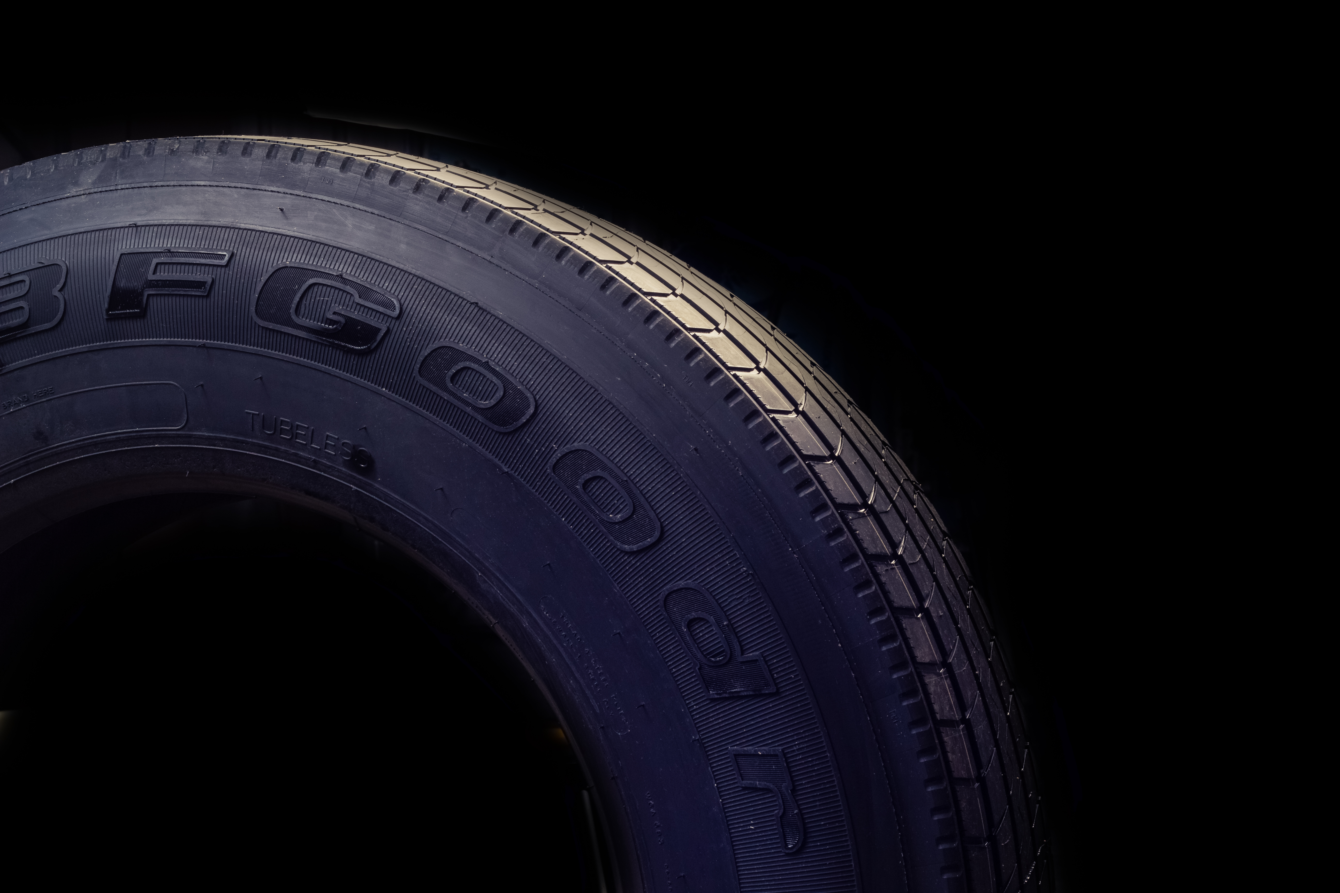 New tire with tread highlighted - National Fleet tires